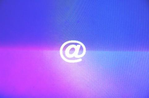 Twitter公式モバイルアプリで登録メールアドレスからアカウントが見つかる